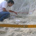 Arheolog istražuje povijesne činjenice